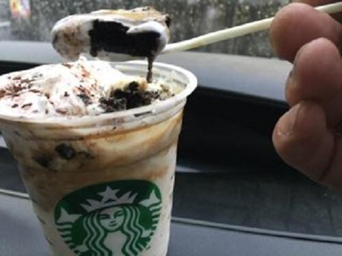 チョコレートケーキ トップ フラペチーノ with コーヒーショットの画像