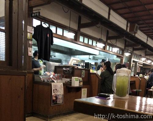 「大砲ラーメン」合川店の店内の画像