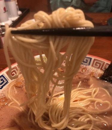 「大砲ラーメン」の麺の画像