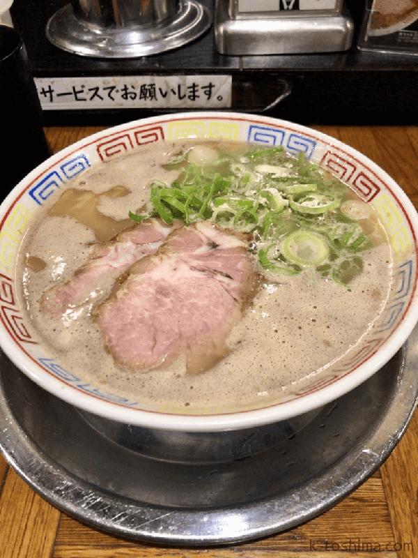 「秀ちゃんラーメン」豚骨ラーメンの画像