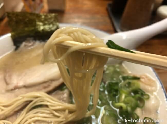 長浜屋台 一心亭本店の細麺ストレート