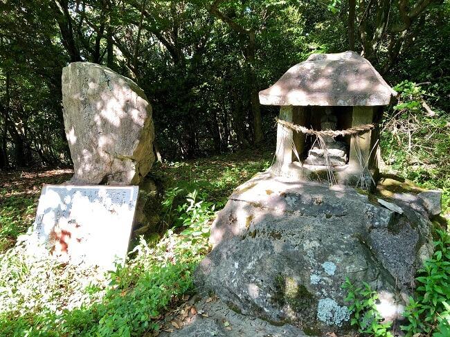 龍王神社の祠