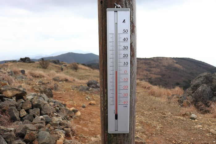 福智山山頂の温度計