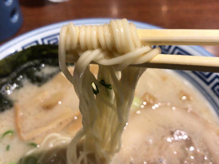 清陽軒の中細ストレート麺
