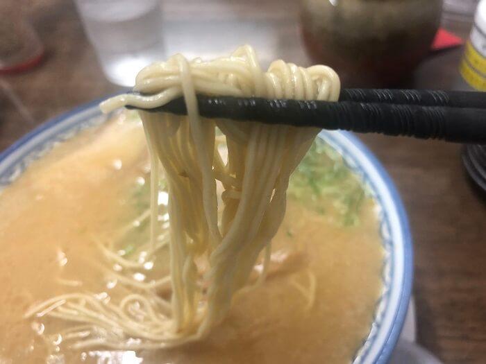 赤のれんのストレート麺