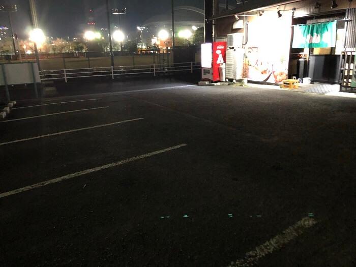 ぎょらん亭の駐車場