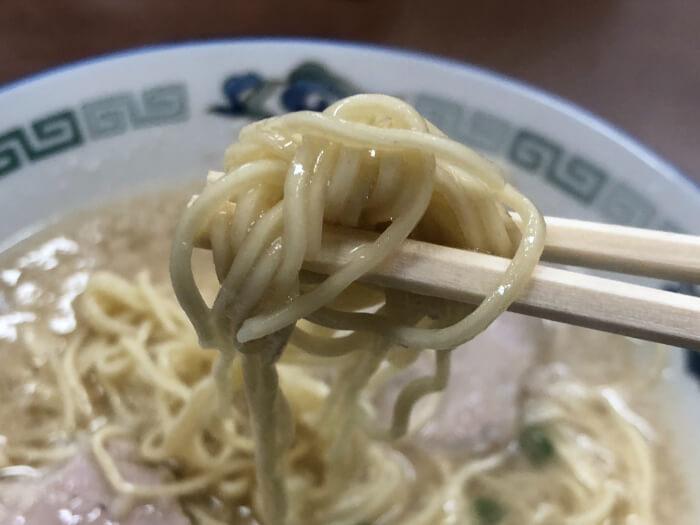 らーめん八の麺
