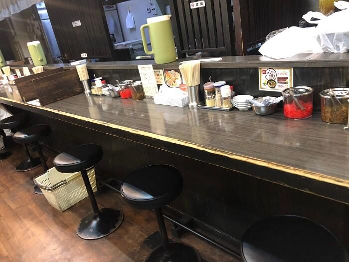 栗ちゃんラーメンのカウンター席 1